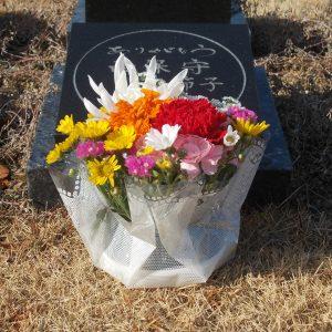 墓前にお花