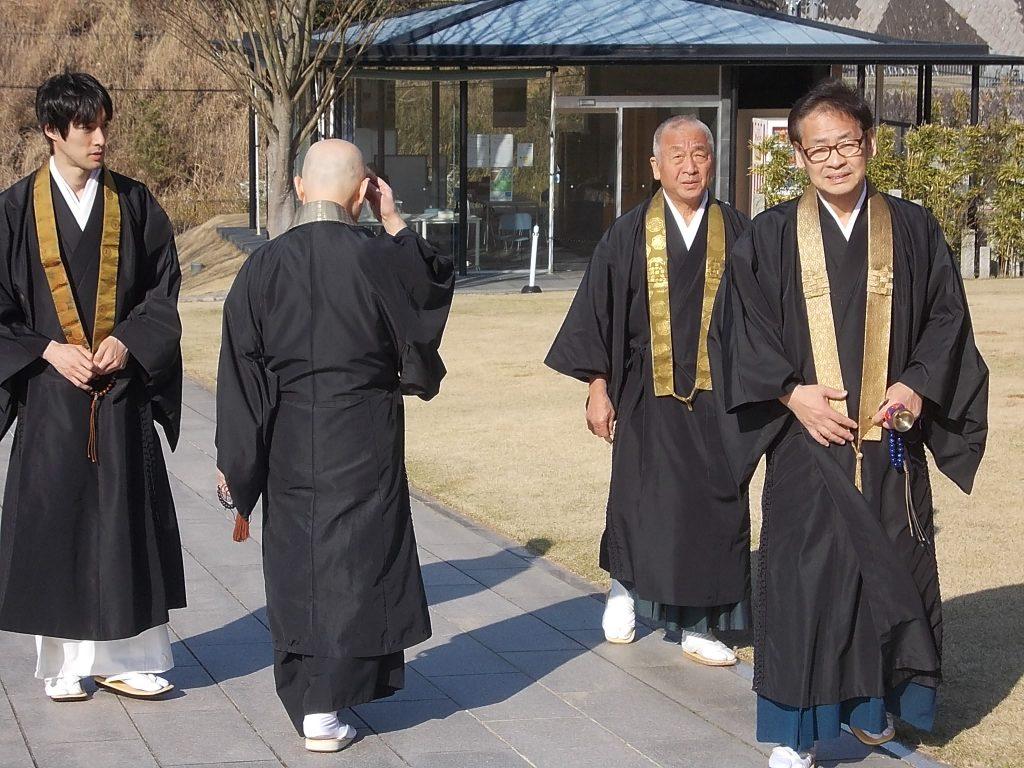 多くのご僧侶