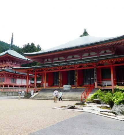 日本で仏教寺院の最も多い県は?京都??