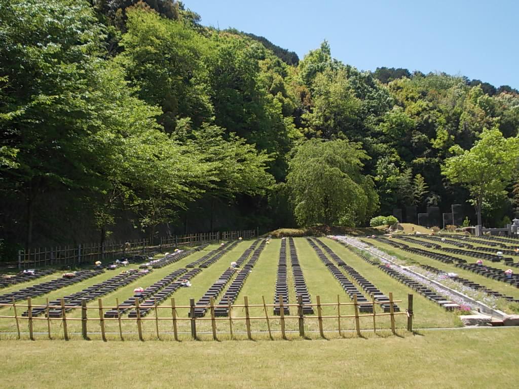 メモリアル公園は家族全員が、気持ちよく墓参りできる所。